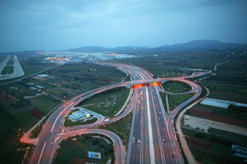 Řecká společnost Aktor Ate, která bude stavět obchvat Krnova, uvádí jako referenci i dálnici k aténskému letišti. Foto: Aktor Ate