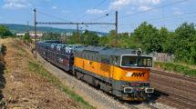 Lokomotiva 753, nákladní vlak s auty, foto: AWT/PKP Cargo