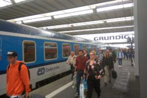 Cestující vlaku Praha - Mnichov, München Hbf, foto: Zdopravy.cz/Jan Sůra