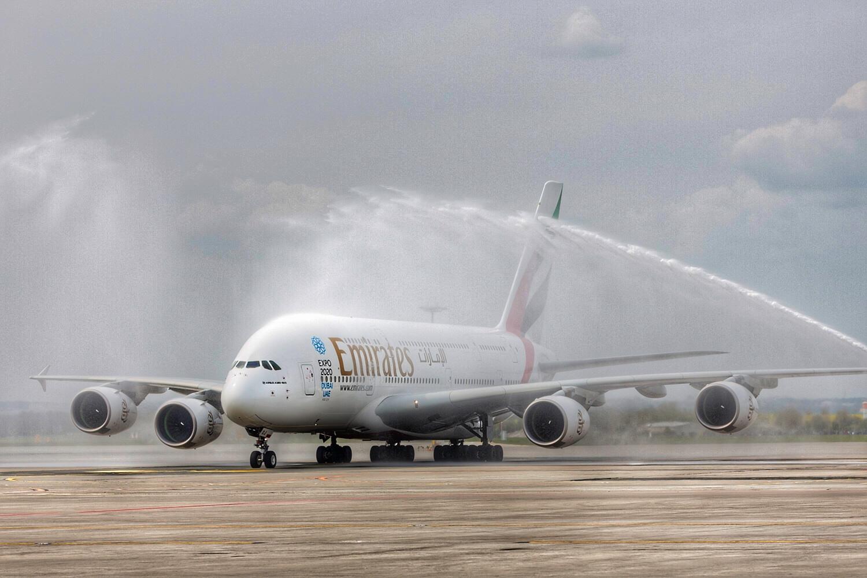 První A380 v Praze, foto: Emirates