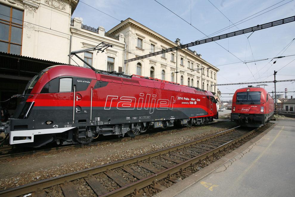 Lokomotivy 1216 Taurus rakouských ÖBB, Brno hl.n., zdroj: České dráhy