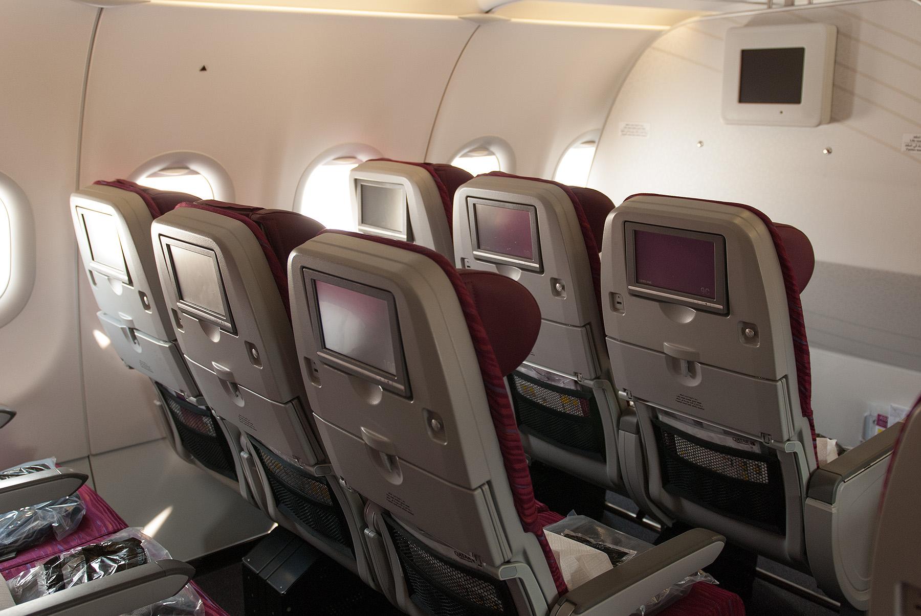 Qatar Airways, A320, třída Economy, infosystém, foto: Zdopravy.cz/Josef Petrák