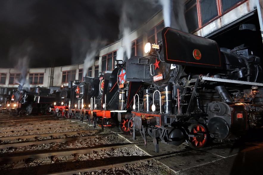 Večerní show bývá největším lákadlem Národního dne železnice. Snímek z roku 2015, kdy se akce konala v Hradci Králové. Foto: České dráhy