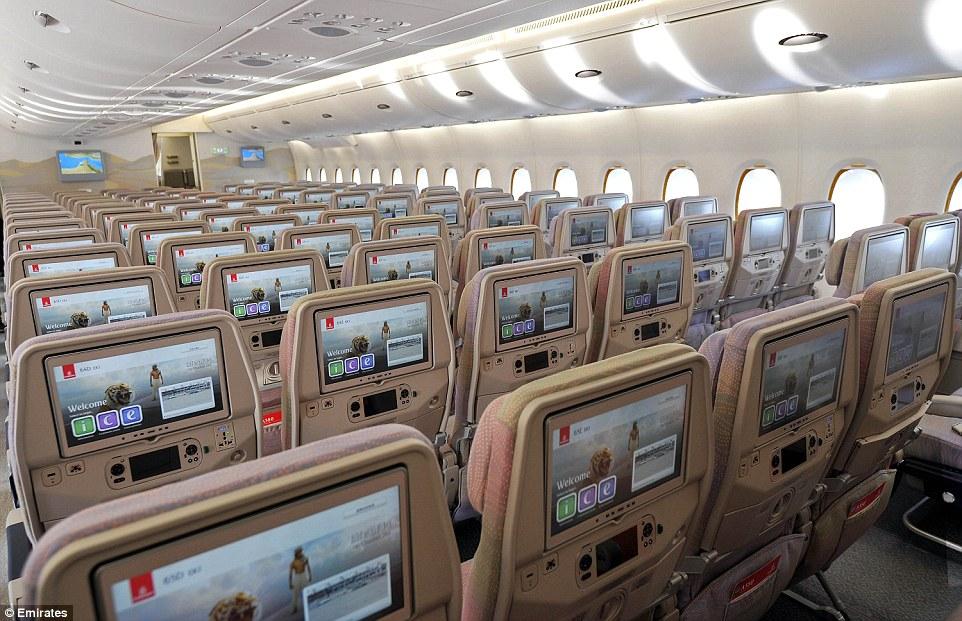 Ekonomická třída v A380 společnosti Emirates. Foto: Emirates