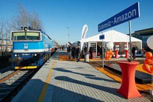 Otevírání nové železniční zastávky Dobrovíz - Amazon loni na konci listopadu. Foto: Amazon