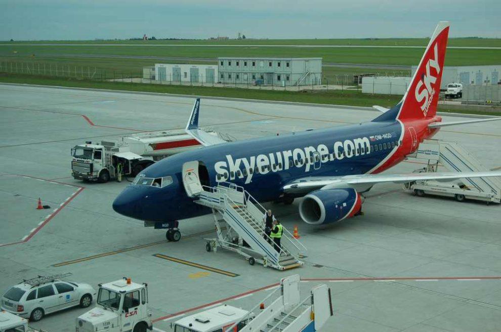 Jedním ze slovenských dopravců byly SkyEurope, které zkrachovaly v roce 2009. Firma měla centrálu v Bratislavě, letadla měla slovenské značky. Foto: Jan Sůra