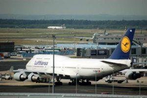 Boeing 747 společnosti Lufthansa ve Frankfurtu. Foto: Jan Sůra