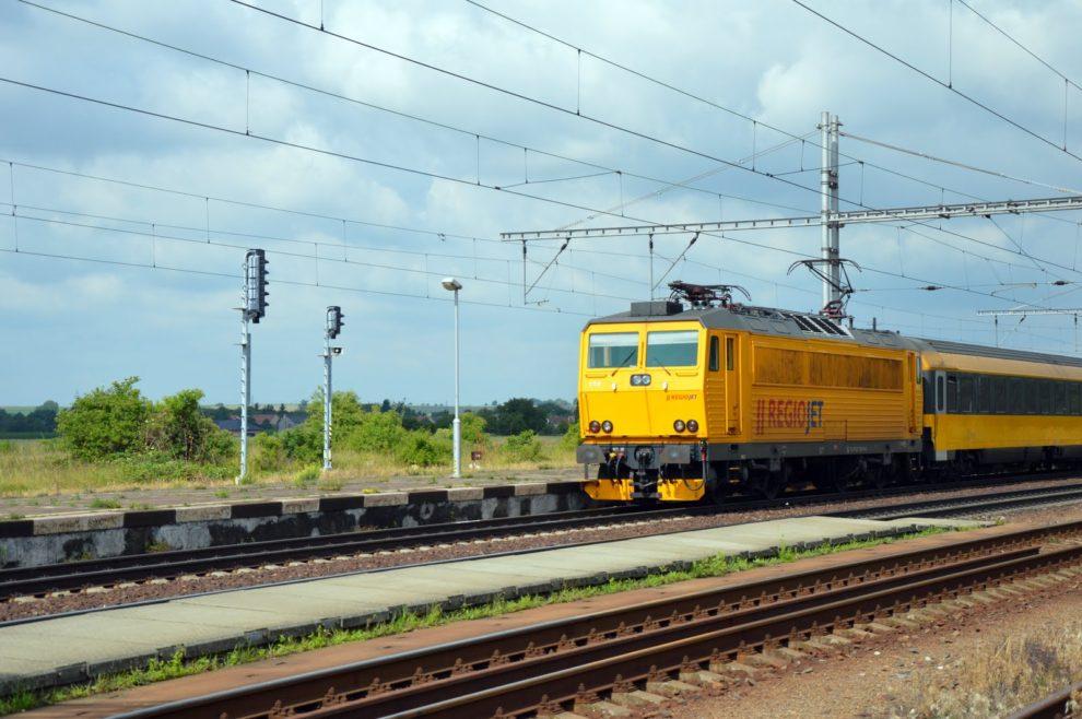 Vlak RegioJet mezi Prahou a Ostravou (Velim). Foto: Jan Sůra