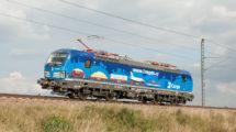 Vectron 383.006 ČD Cargo s reklamou na vozové zásilky, foto: Zdopravy.cz/Josef Petrák