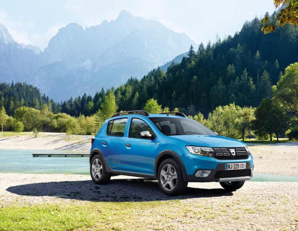 Dacia přišla s novou podobou svého modelu Sandero loni na podzim. V srpnu 2017 už bylo 5. nejprodávanějším autem v Evropě. Foto: Dacia