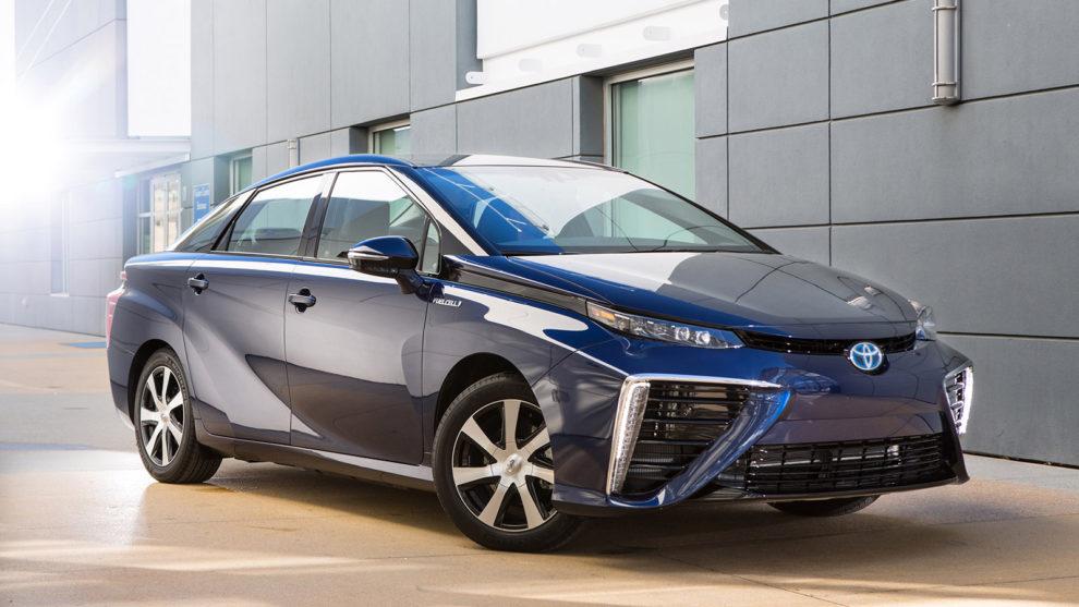 Aut na vodík na evropském trhu dosud příliš není. Jednou z výjimek je Toyota Mirai. Foto: Toyota