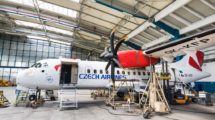 Údržba letounu ATR v hangáru Czech Airlines Technics. Autor: CSAT