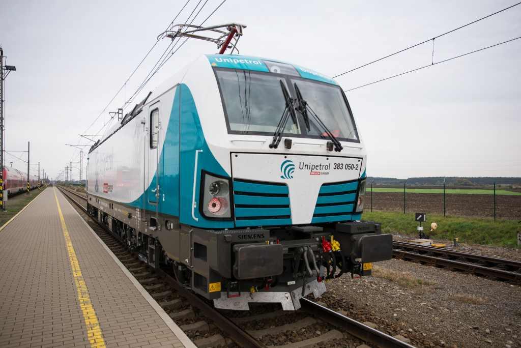 Lokomotiva Siemens Vectron v barvách Unipetrol Doprava. Foto: Unipetrol Doprava