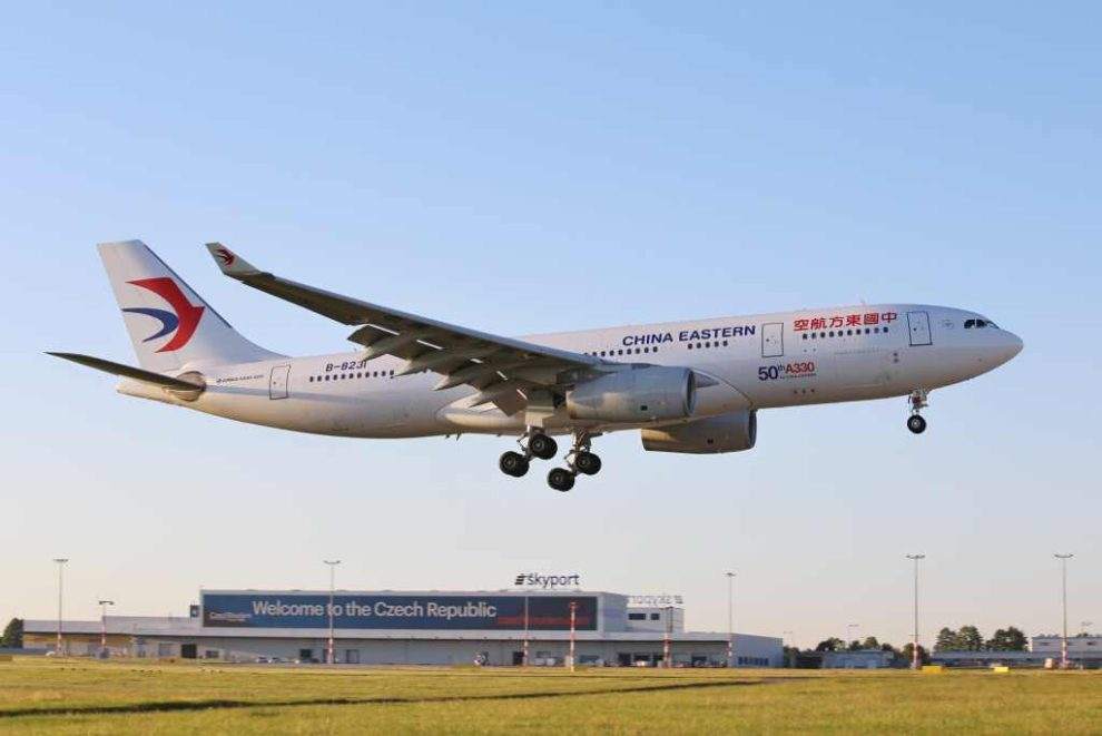 Airbus A330 společnosti China Eastern Airlines při přistání v Praze. Foto: Letiště Praha