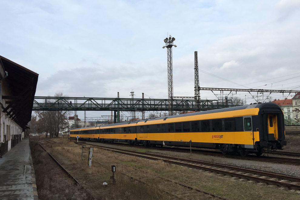 Jídelní vozy WRmz, RegioJet, Praha-Smíchovské nádraží, foto: Zdopravy.cz/Josef Petrák