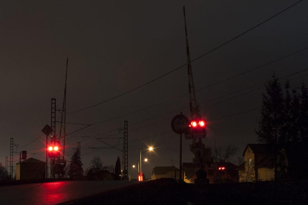 Přejezd, Praha Uhřiněves, foto: Zdopravy.cz/Josef Petrák