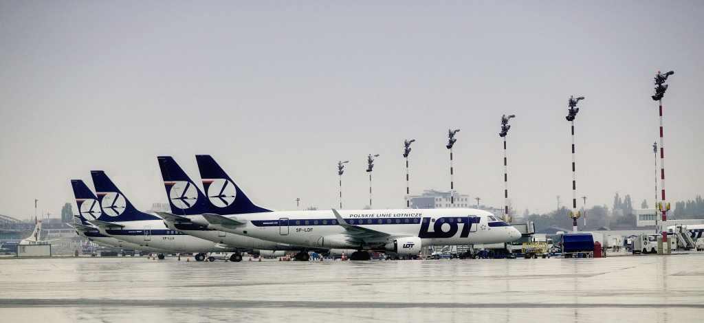 Letadla společnosti LOT na letišti ve Varšavě. Foto: Lot