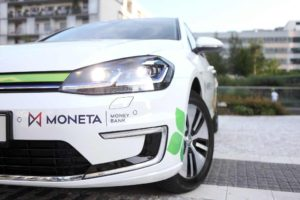 Volkswagen e-golf s polepy Monety: Foto: Moneta Money Bank