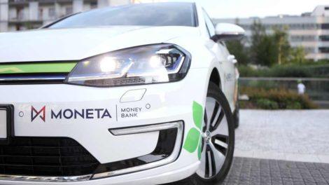 Volkswagen e-golf s polepy Monety: Foto: Moneta Money Bank