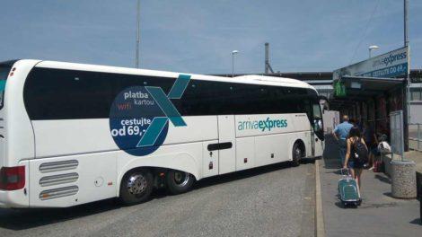 Autobus Arriva Express v Praze - Holešovicích. Foto: Jan Sůra