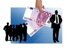 Peníze a lidé, foto: Pixabay/PlanetaCestovani.cz/licence CC