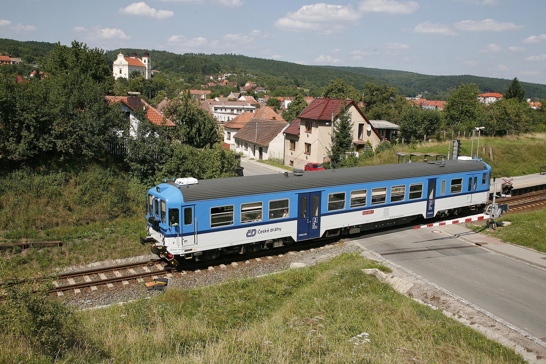 Motorový vůz 842, ilustrační foto. Autor: České dráhy