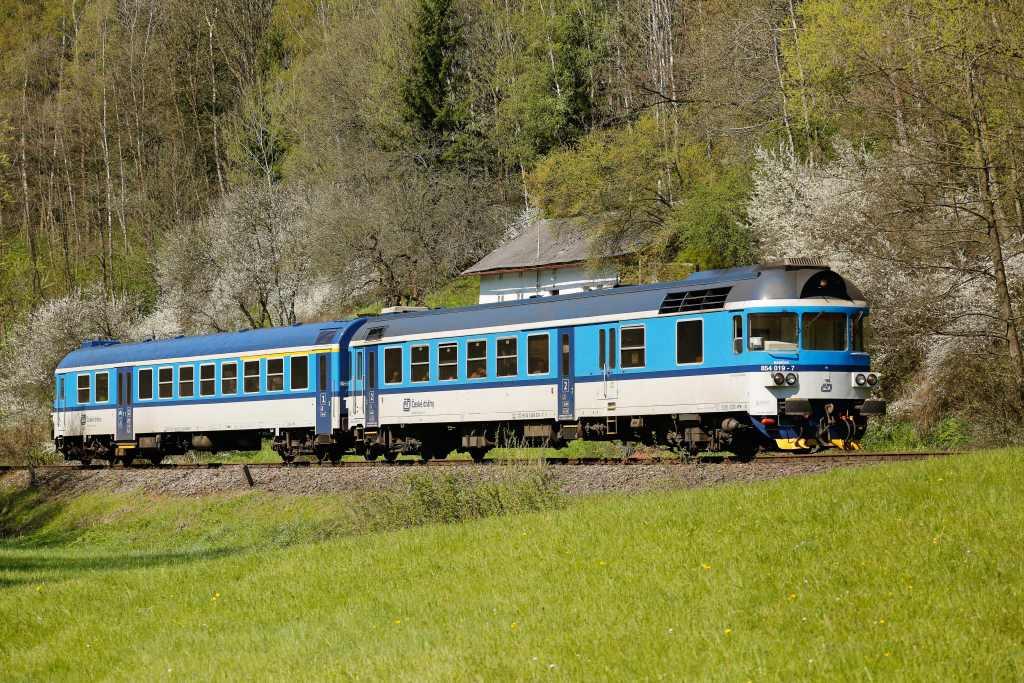 Motorový vůz řady 854. Foto: České dráhy
