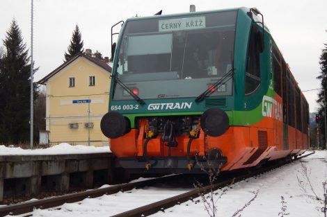 Vlak GW Train Regio ve stanici Černý Kříž. Autor: Zdopravy.cz/Jan Šindelář