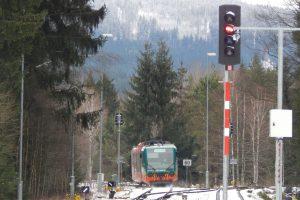 Vlak GW Train Regio u stanice Černý Kříž. Autor: Zdopravy.cz/Jan Šindelář