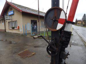 Zastávka a závorářské stanoviště Sepekov. Autor: Zdopravy.cz/Jan Šindelář