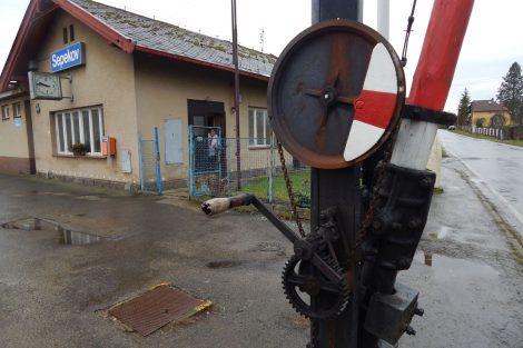 Stanice a závory Sepekov. Autor: Zdopravy.cz/Jan Šindelář