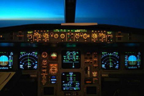 Kokpit A330 za letu. Foto: archív Judity Svobodové