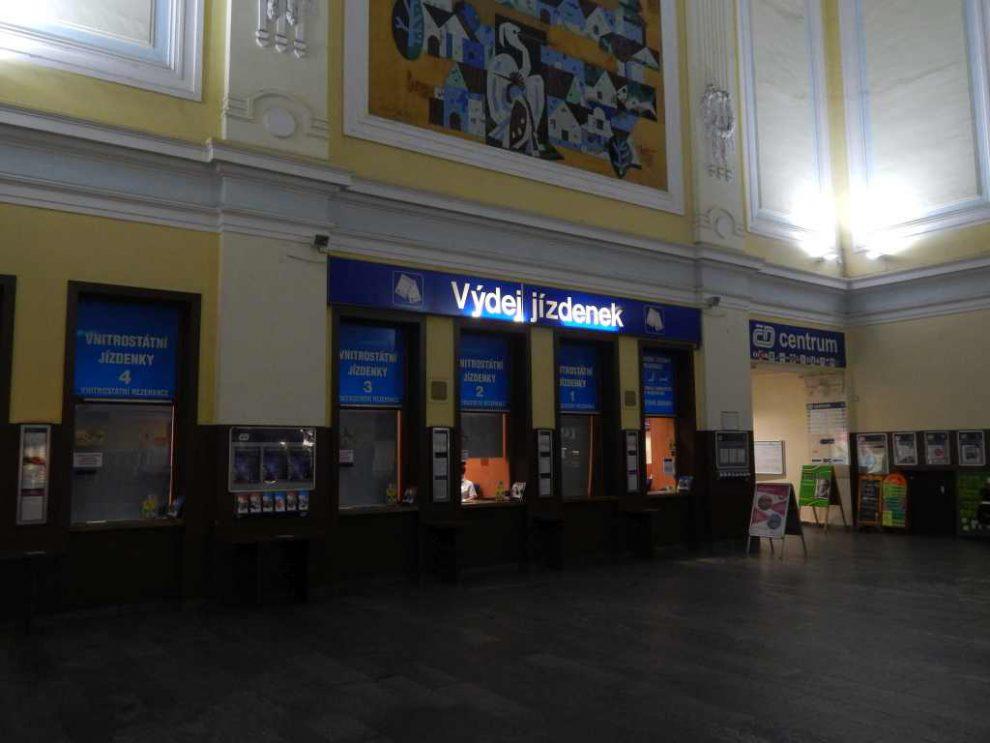 Pokladny Českých drah v Českých Budějovicích. Foto: Jan Šindelář