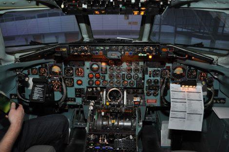 Pohled do kokpitu simulátoru DC-9. Foto: realsim.cz