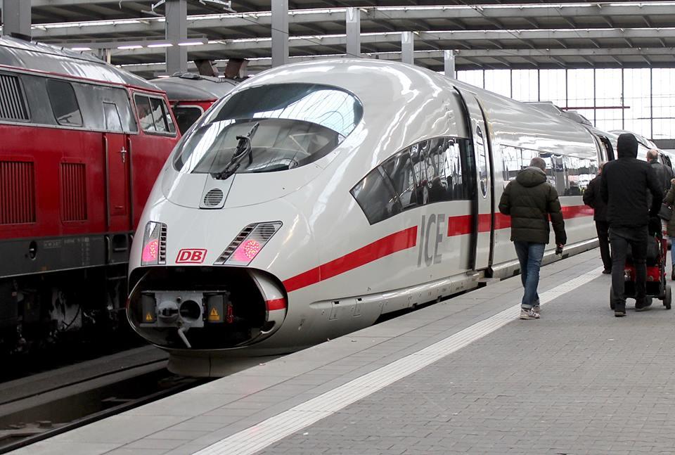 Jednotka ICE 3 na hlavním nádraží v Mnichově. Foto: David Krásenský