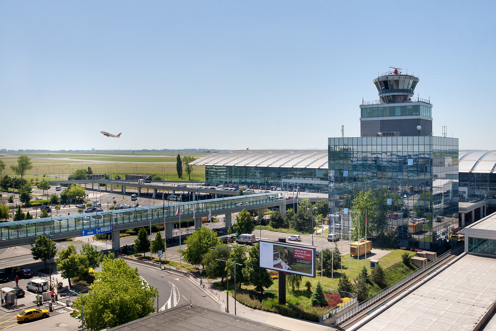 Pohled na Terminál 2 Letiště Václava Havla. Foto: Letiště Praha