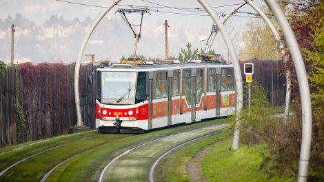 Modernizovaná tramvaj KT8D5R.N2P. Foto: DPP