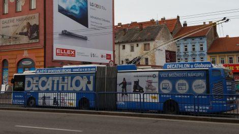 Polepený trolejbus. Autor: Zdopravy.cz/Jan Šindelář