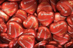 Hitem v dražbě po Air Berlin jsou čokoládová srdce, které dostávali cestující při výstupu z letadla. Foto: Dechow.de
