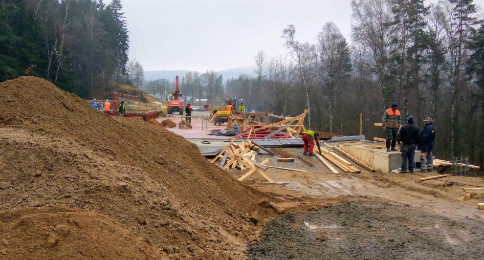 Stavba silnice I/14 mezi Libercem a Jabloncem nad Nisou. Foto: Jan Sůra