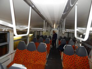 Motorák GW Trainu řady 816, tunel klimatizace. Autor: Zdopravy.cz/Jan Šindelář