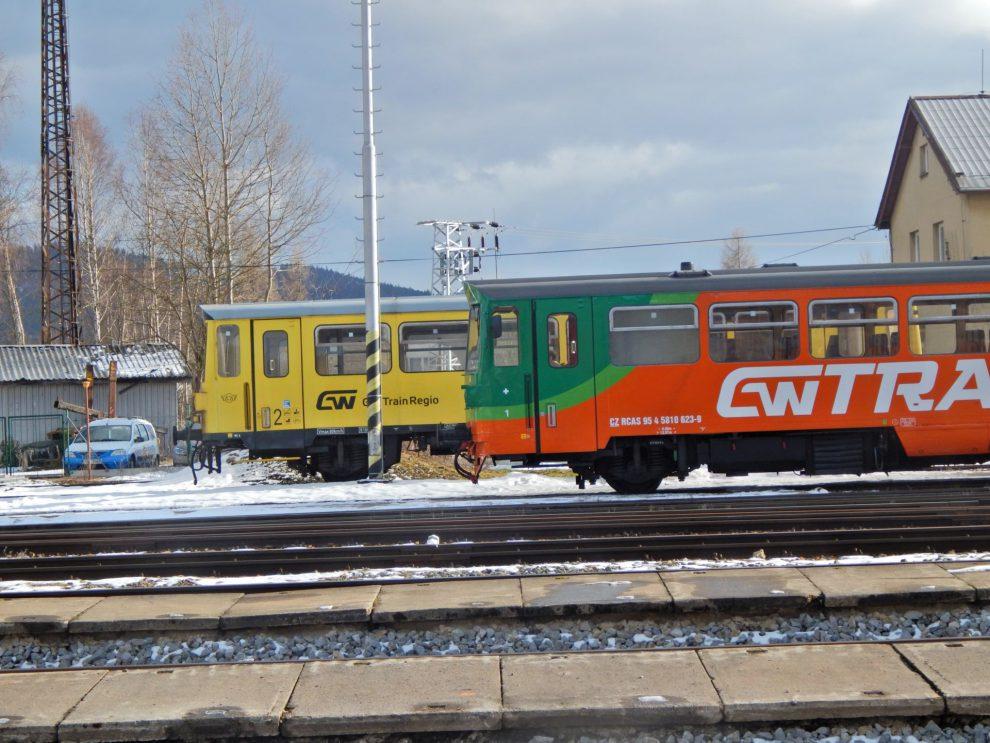 Motoráky GW Trainu řady 810 ve Volarech. Autor: Zdopravy.cz/Jan Šindelář