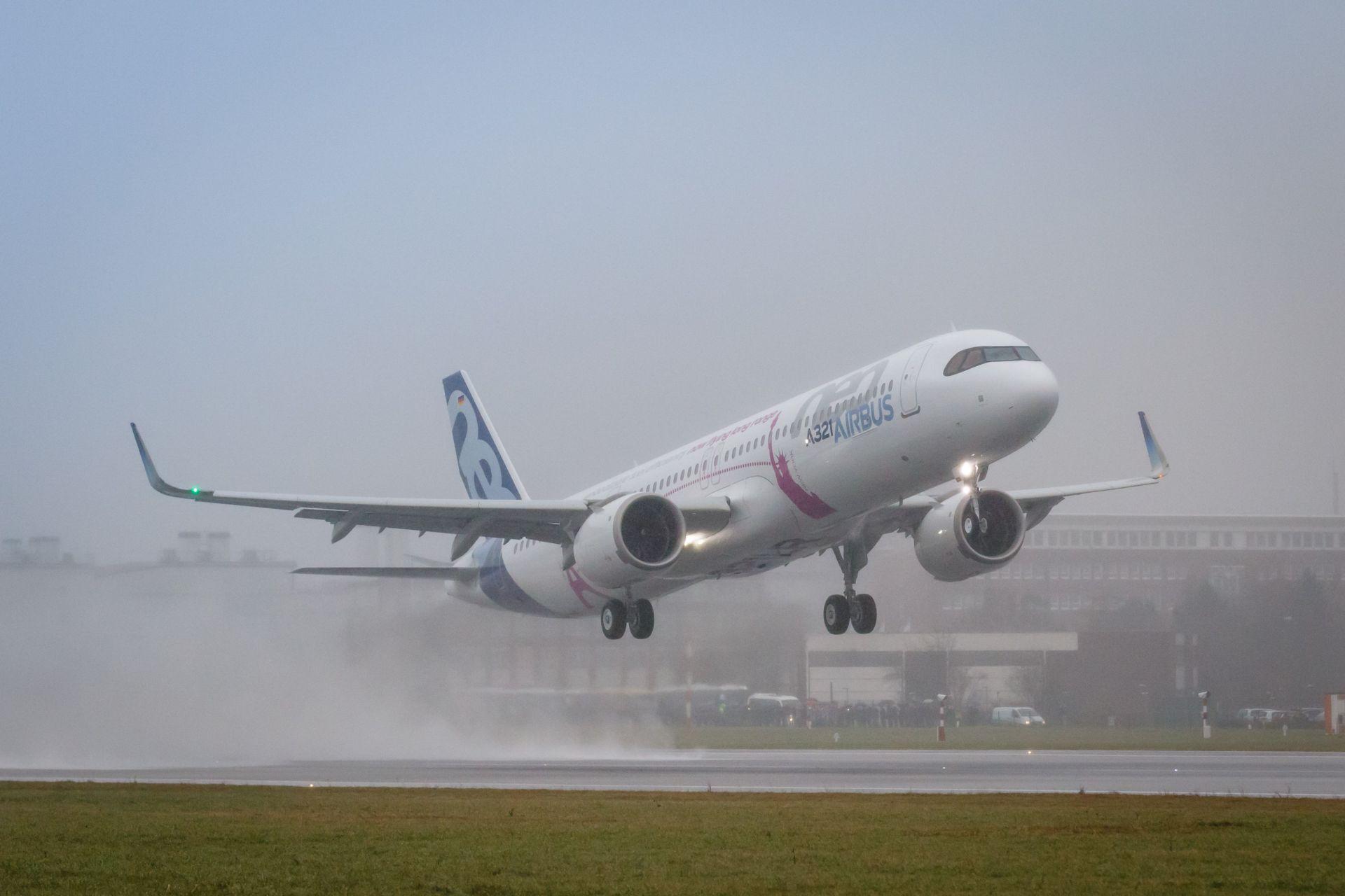 Airbus A321LR při svém prvním letu z Hamburku. Foto: Airbus