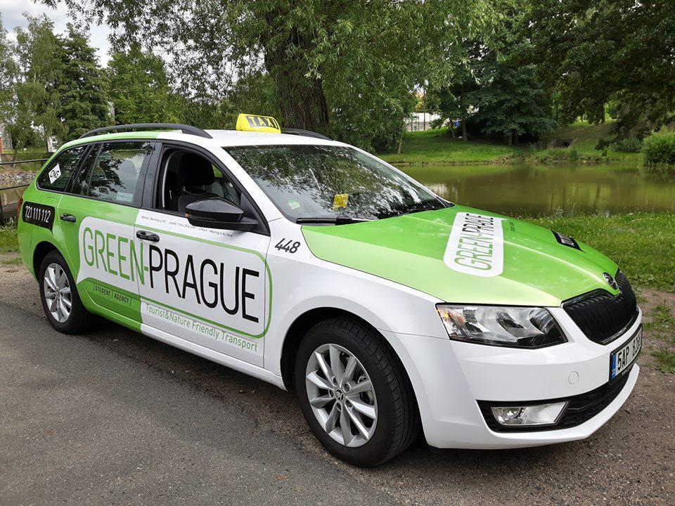 Škoda Octavia na zemní plyn v barvách taxislužby Green Prague. Foto: Green Prague