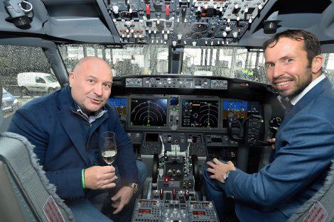 Kokpit nového Boeingu 737 MAX 8. Foto: Letiště Praha