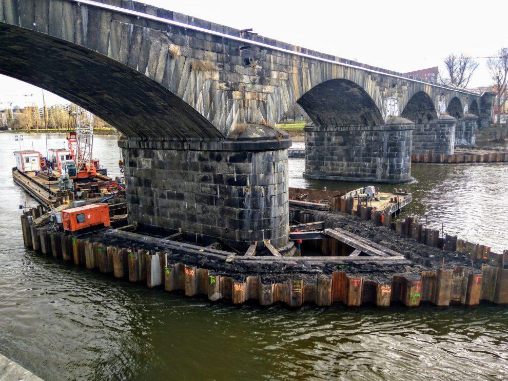 Oprava Negrelliho viaduktu. Autor: Zdopravy.cz/Jan Sůra