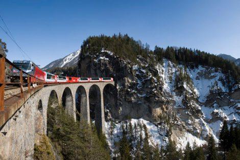 Glacier Express na viaduktu Landwasser. Foto: Rhätische Bahn