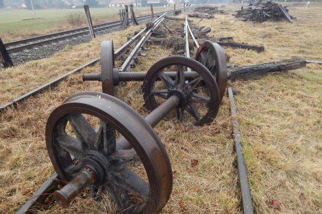 Někdejší montážní základna železničního vojska už nemá napojení na síť. Autor: Zdopravy.cz