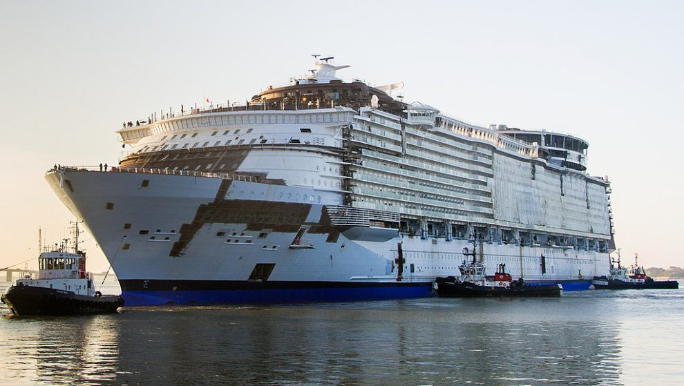 Harmony of the Seas během stavby. Autor: By Djoach - Own work, CC BY-SA 4.0, https://commons.wikimedia.org/w/index.php?curid=45532702
