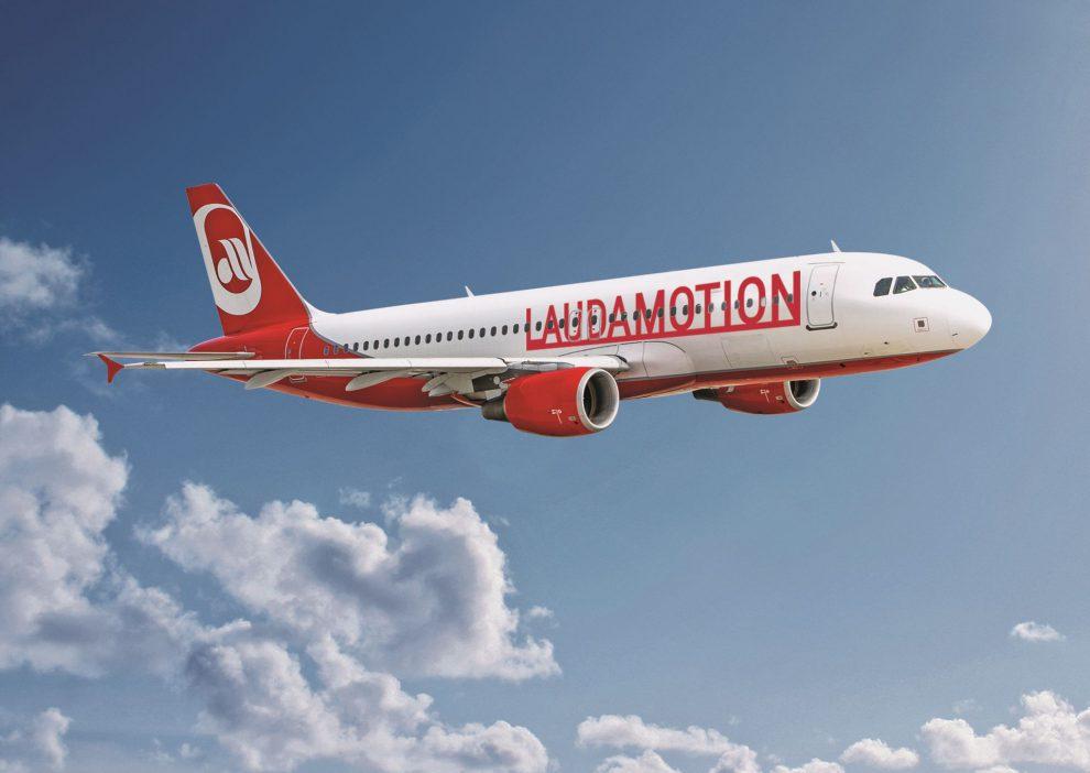 Airbus A320 v barvách Laudamotion a s logem Air Berlin. Foto: Laudamotion